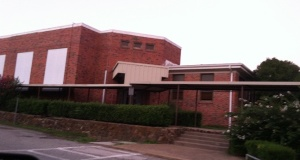 The old Grand Saline Elementary School building.